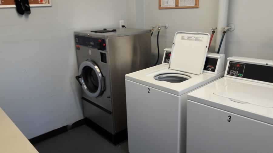 apartment-for-rent-share-laundry